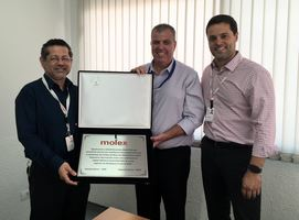 Thumb_heilind-brasil-recebe-premio-distribuidor-do-ano-molex_2017