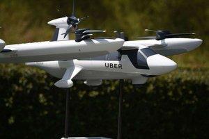 Thumb_2-carros_voadores_uber