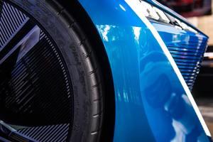 Thumb_car-blue-concept-wheel-602213