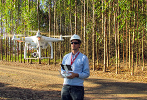 Thumb_duratex-utiliza-drones-monitorar-qualidade-florestas