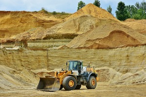 Thumb_open-pit-mining-2464761_1920