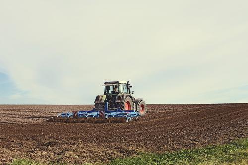 Large_portaldbo-maquina-agricola-1024x683