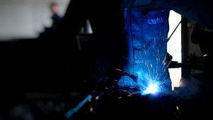 Thumb_welding-2306843_1920