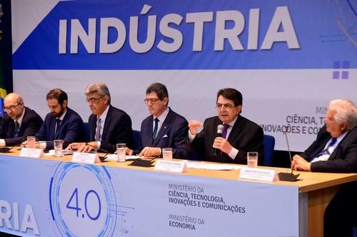Paulo Afonso Ferreira discursa no lançamento da Câmara Brasileira da Indústria 4.0